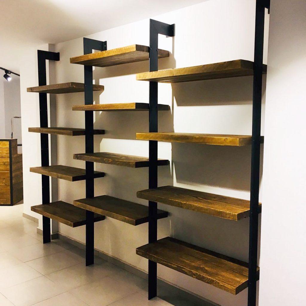 Muebles industriales a medida tienda restauraci n el for Consola de tipo industrial