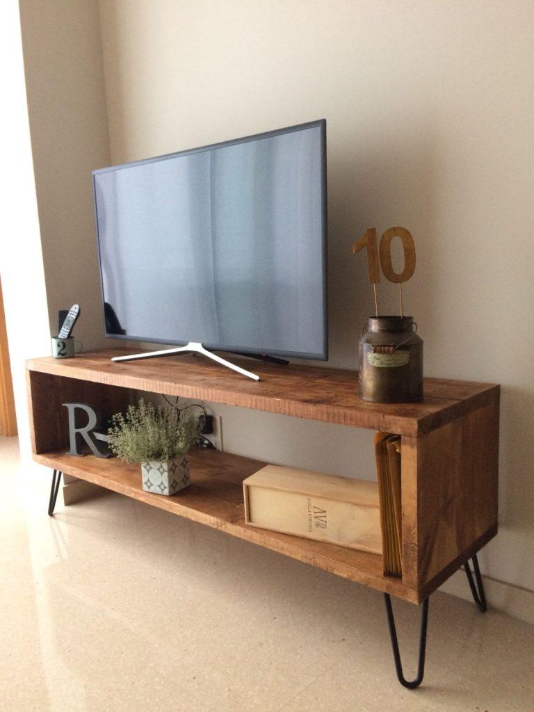 Mesa vintage industrial fabricada con madera de pino y for Mueble tv vintage